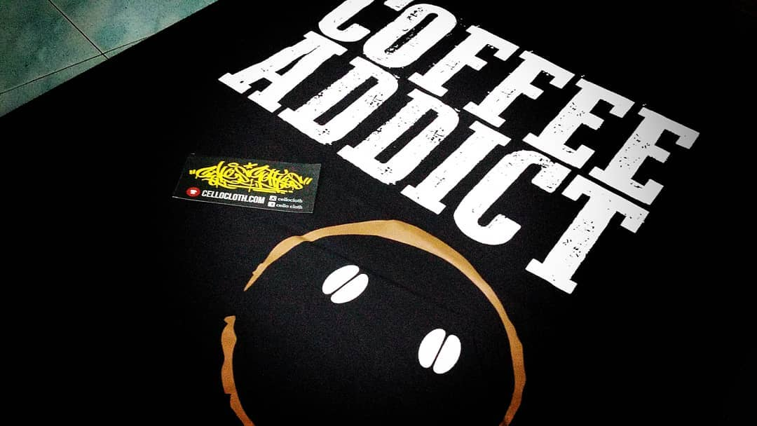 sablon kaos kopi, kaos pecinta kopi, kaos penggemar kopi, kaos kopi hitam, kaos gambar kopi, kaos filosofi kopi, distro kaos kopi, kaos coffee, jual kaos kopi