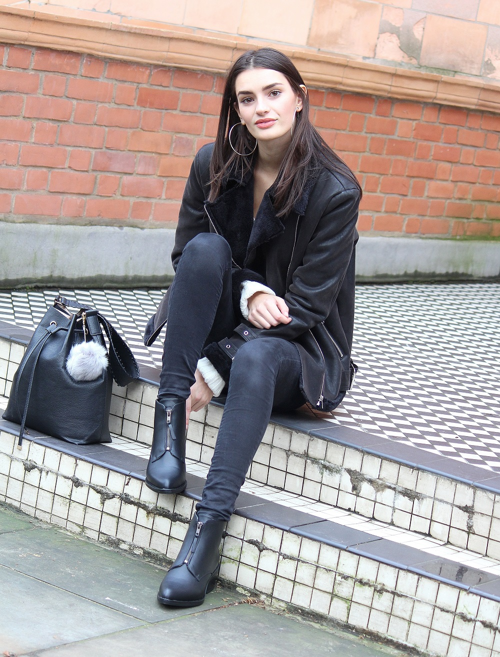 fashion blogger in monochrome