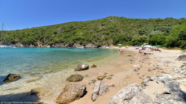 """Παραλίες στην ανάσα του Ιονίου και στην αγκαλιά της Ηπειρωτικής γης, κρυμμένες στην """"σκιά"""" της Πάργας, των Συβότων και της Ηγουμενίτσας"""