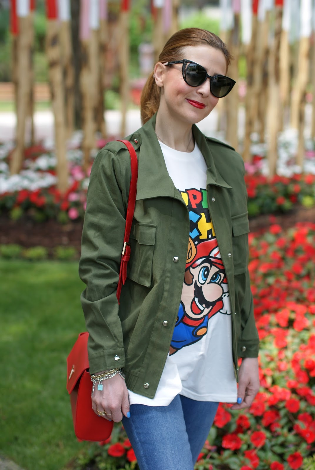 Moschino Super Moschino t-shirt with Super Mario bros, Lookbook Store army green jacket on Fashion and Cookies fashion blog, fashion blogger style