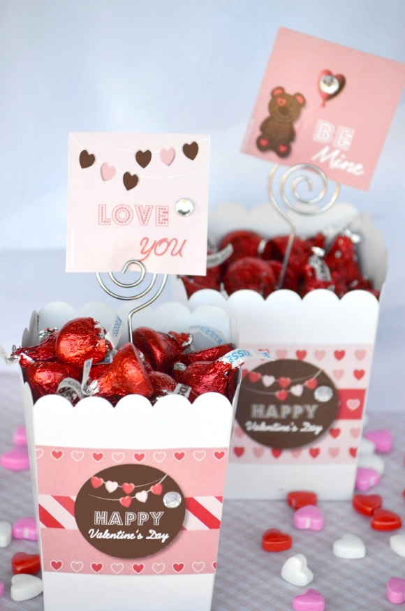 Quick & Easy DIY Valentine's Day Gifts - via BirdsParty.com
