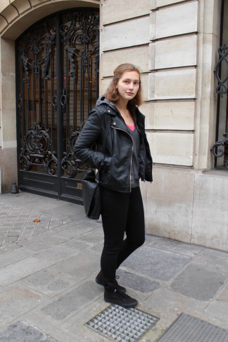 Hoodie layered under a leather jacket, Sk8 high top vans in Paris #ootd