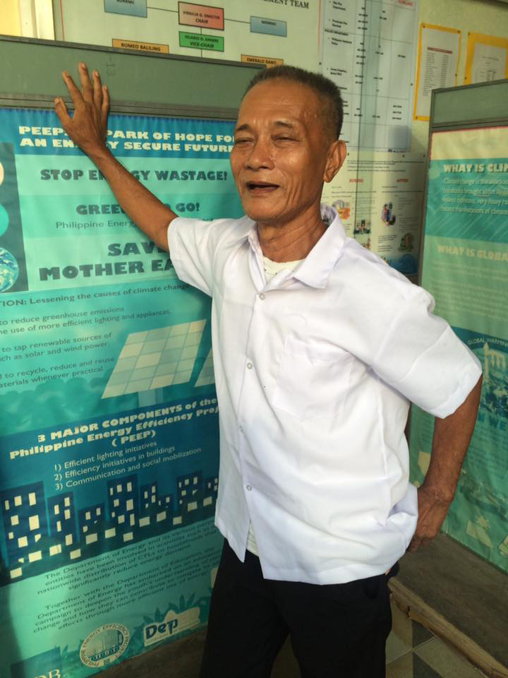 """Super Lolo,"" 68, enrolls in senior high school"
