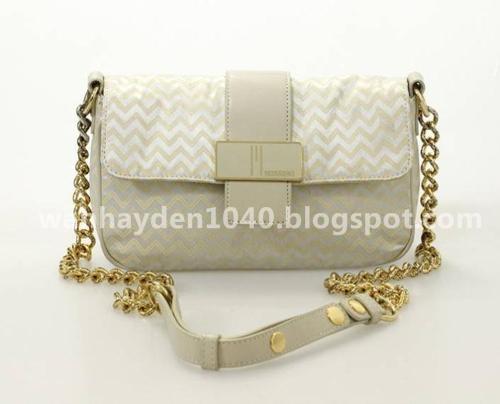d99255aec2e8 10 beg tangan berjenama terbaik untuk wanita dengan gaya terbaru - 2013.  Maaf saya bukan pakar dalam bidang fesyen wanita, cuma create artikel ni  sebab ...