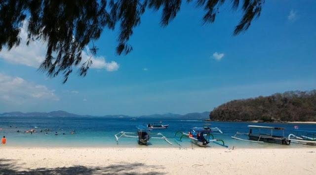 Pantai Paling Asyik di Lombok