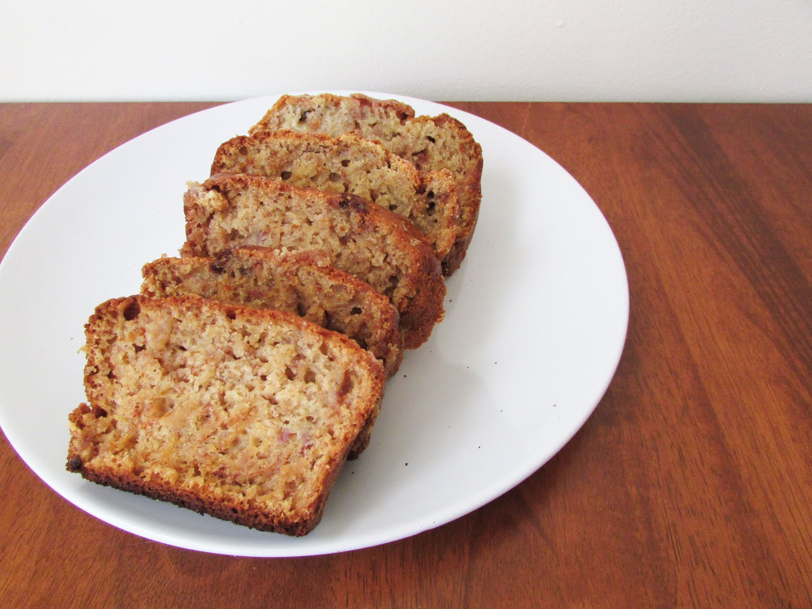Cinnamon Banana Bread | The Small Adventurer.