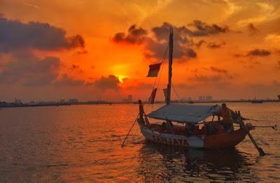 Wisata Sunset di Pantai Carnaval Ancol Jakarta