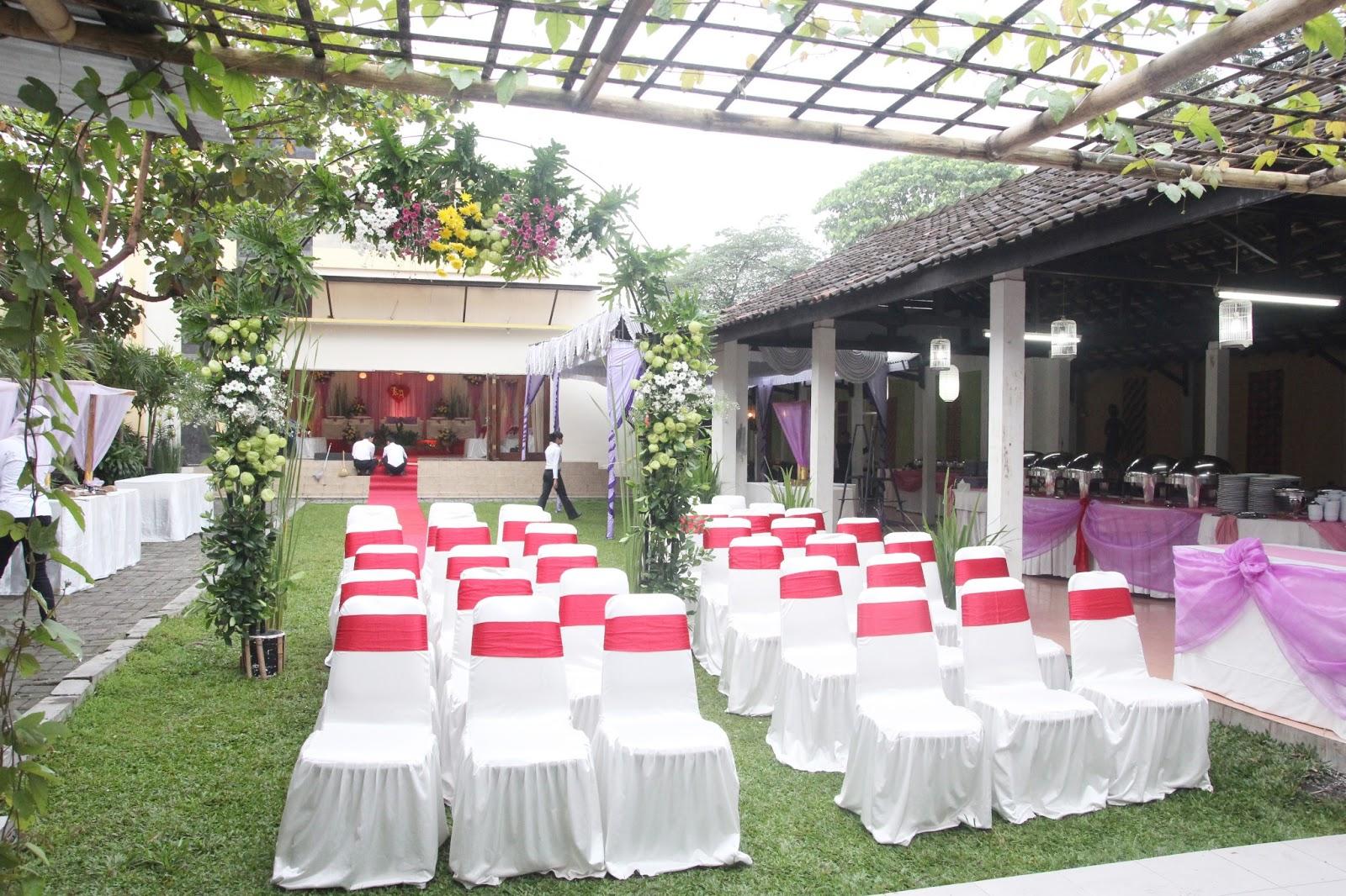 Foto Wedding Dg Dekorasi Pernikahan Outdoor Di Yogyakarta: Dekorasi Kaze & Addien Wedding Party
