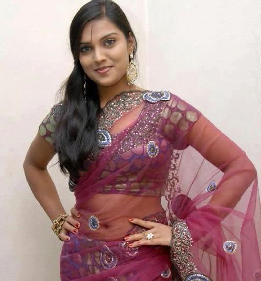 desi-girl-in-simple-sari