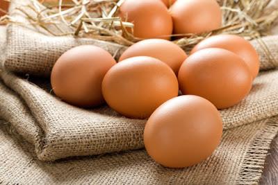 Cách trị nám da tại nhà đơn giản với cồn và trứng