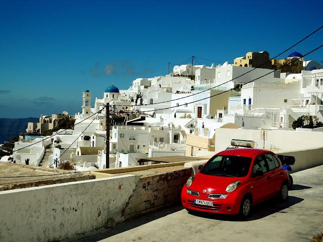 Alquilar coche en Santorini, Grecia. Consejos y recomendaciones.
