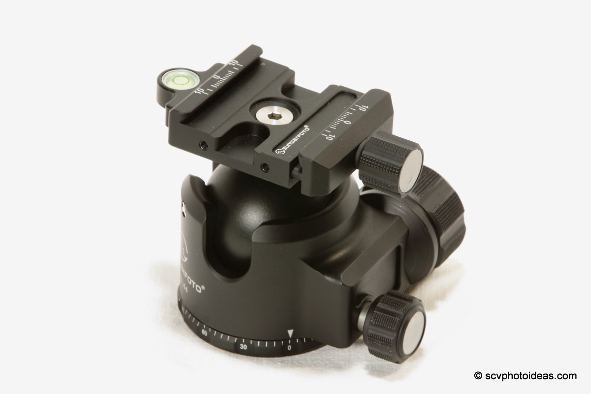 Sunwayfoto XB-44 panning lock knob detail
