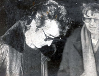 Стивън Кинг ли е убиецът на Джон Ленън? Article-1335479-00E7618200000190-271_468x357