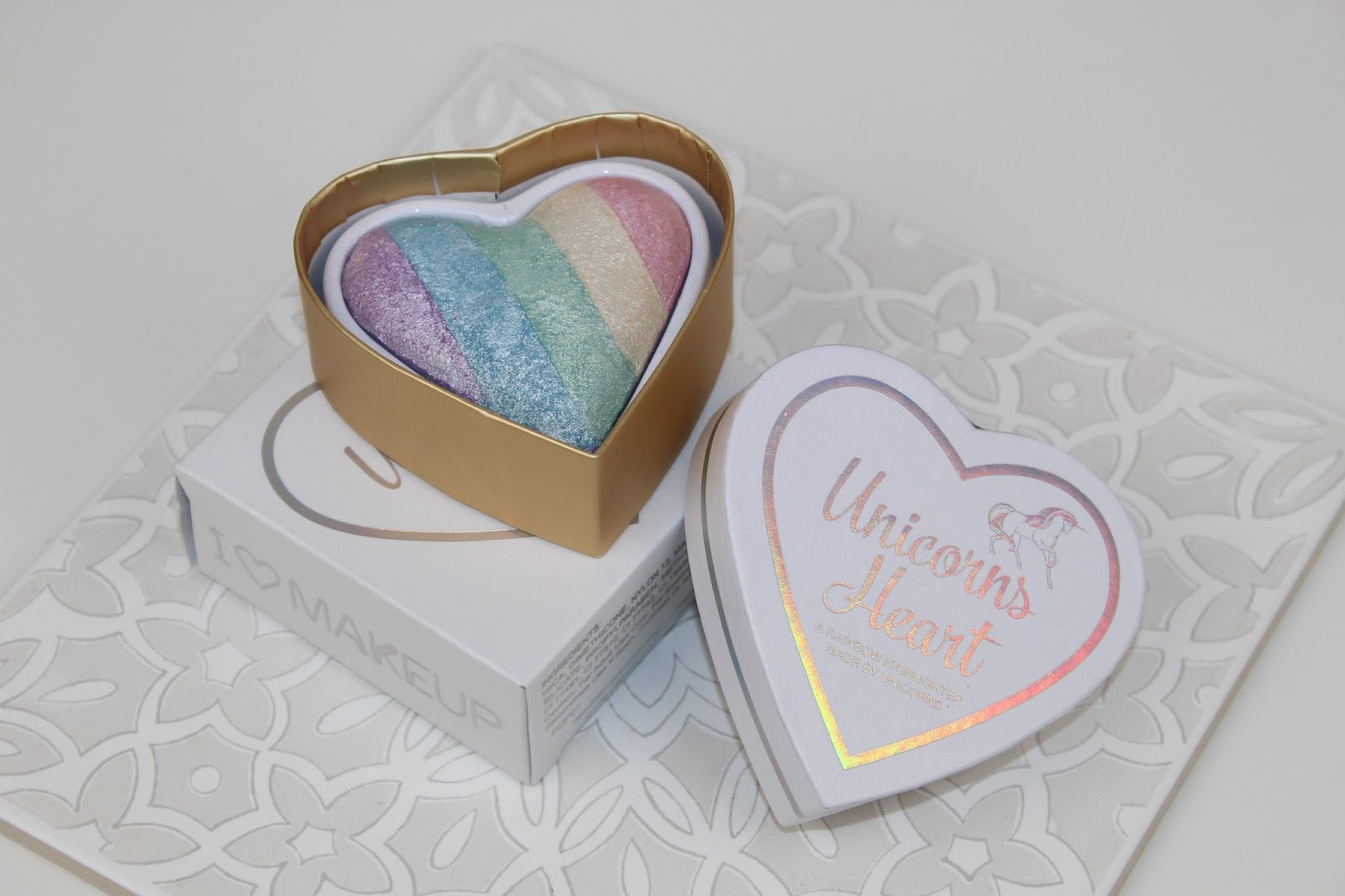 I Heart Makeup Unicorn Heart Highlighter Review and Photo's
