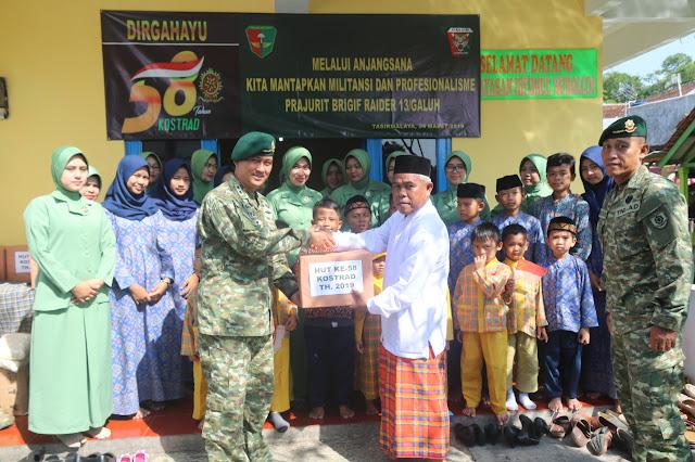 Kunjungi Hifzul Mursalin Tasikmalaya, Brigif Raider 13 Kostrad Bagikan Sembako