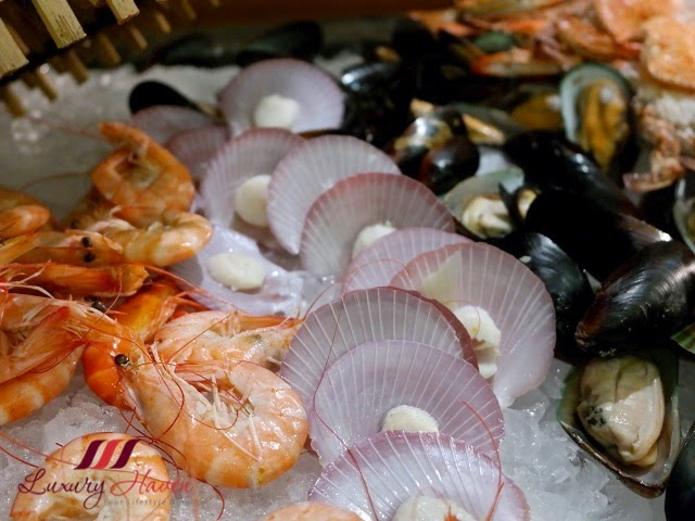 doubletree by hilton jb makan kitchen seafood buffet