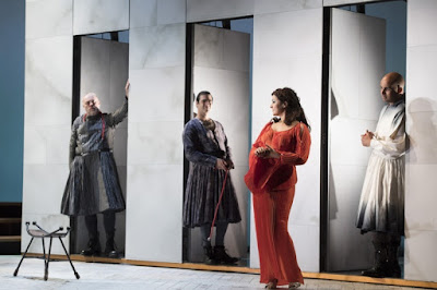 Caroline Dobbin, Andrew Slater, Clint van der Linde, Robert Anthon Gardiner - Monteverdi - Il ritorno d'ulisse in patria - English Touring Opera - photo Richard Hubert Smith