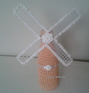 moinho de vento, peso de porta moinho de vento, moinho de vento em crochê, enfeite moinho, moinho crochê