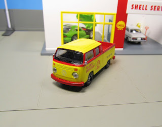 GreenLight Club V-Dub 1976 Shell Oil Volkswagen Type 2 T2 Double Cab Pick-up