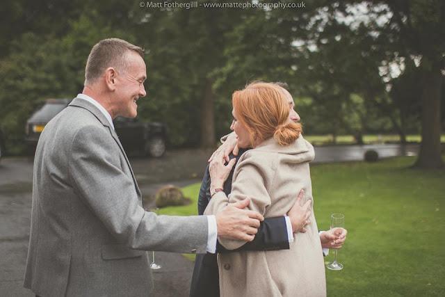 J.K. Rowling surpreende casal gay durante sessão de fotos de casamento | Ordem da Fênix Brasileira