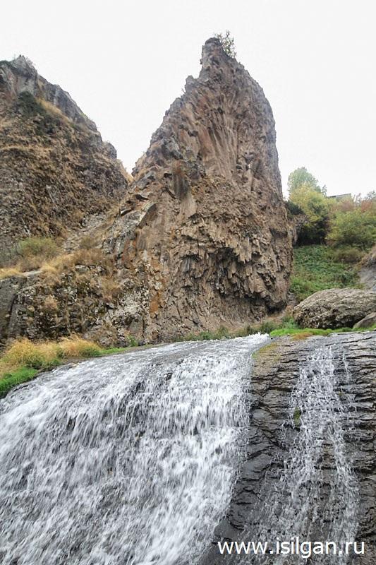 """Джермукский водопад (""""Волосы русалки""""). Город Джермук. Армения"""