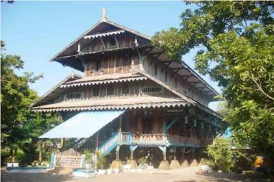 Sketsa Desain Rumah Adat Sulawesi Tenggara