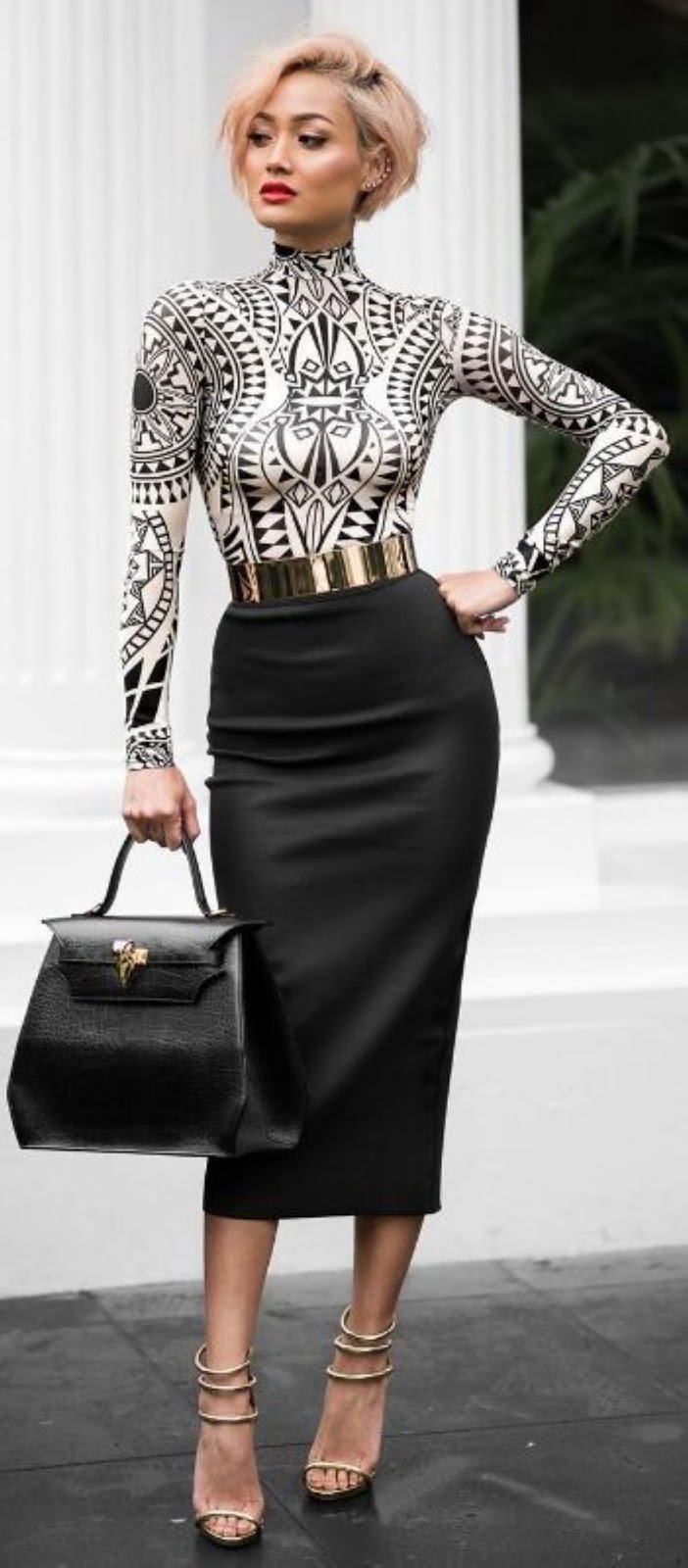 gorgeous outfit / printed high neck top + black pencil skirt + bag + heels