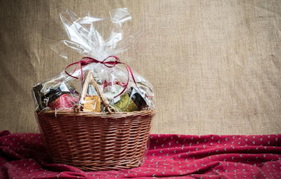 Inilah-Alasan-Anda-Perlu-Mengirimkan-Paket-Lebaran-di-Hari-Raya-Idul-Fitri