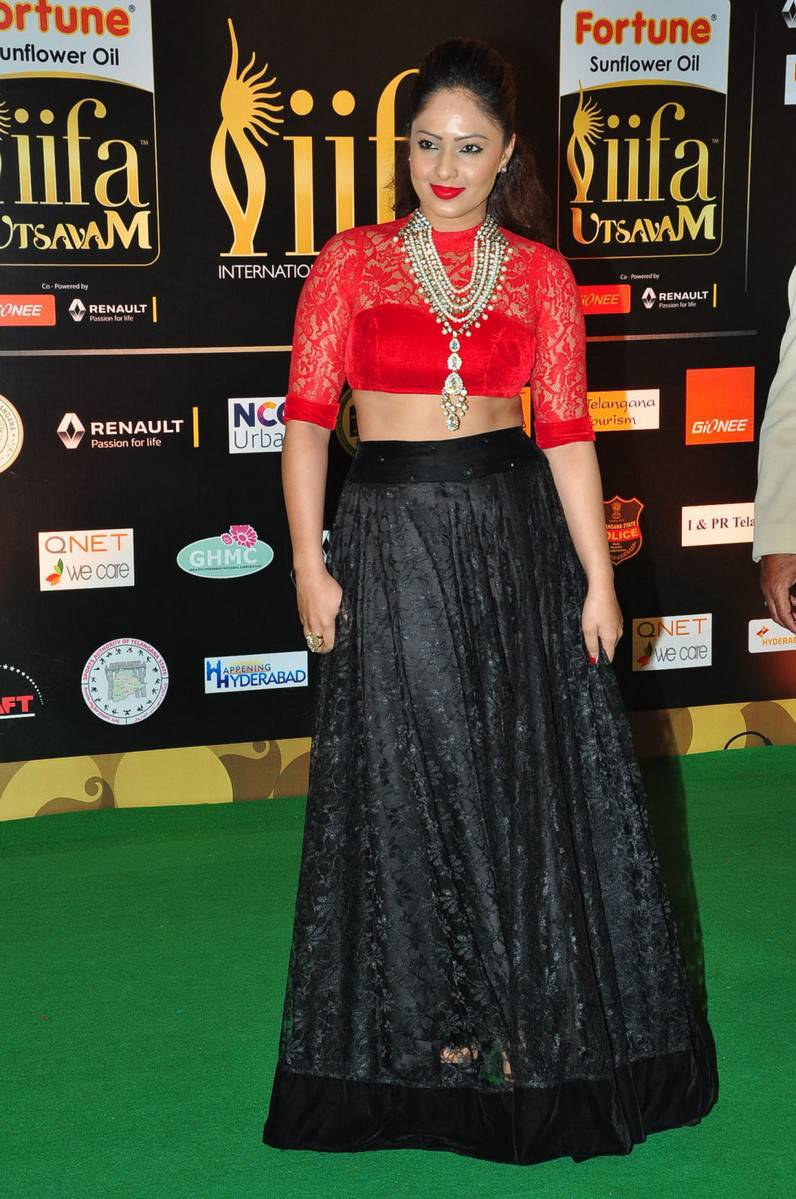 Actress Nikesha Patel Hot At IIFA Awards In Red Top Black Lengha