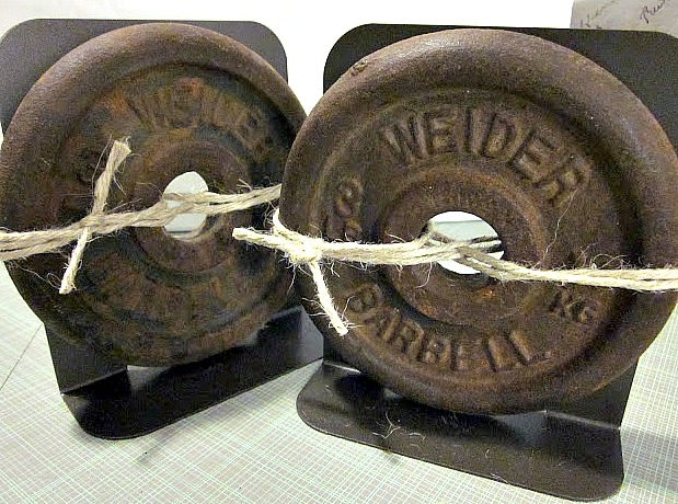 How to Use barbell weights to make book ends. Homeroad.net