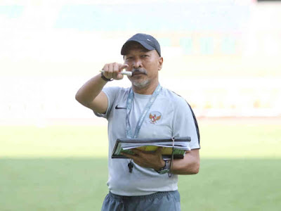 Fakhri Husaini Pimpin Latihan Perdana Seleksi Tahap Kedua Timnas U-19