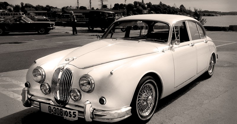 Replacing speedometer cable on Jaguar Mk2 ClassicCar Experience