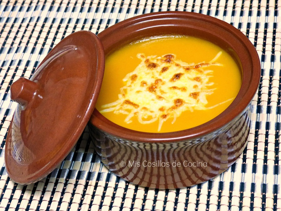http://www.miscosillasdecocina.com/2014/11/crema-de-calabaza-y-zanahoria-gratinada.html