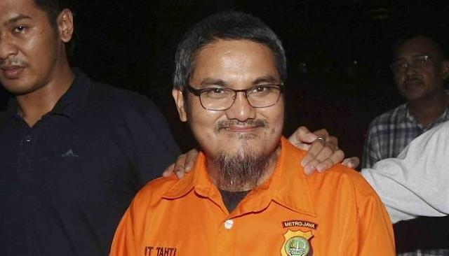 Lihat! Jonru Ginting Tetap Tersenyum Manis Meski Dijebloskan di Rutan Narkoba, Tangan Diborgol dan Berbaju Tahanan Oranye