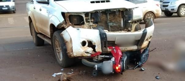 Nova Cantu: Acidente envolvendo Hilux e Honda Biz na Avenida Cantu