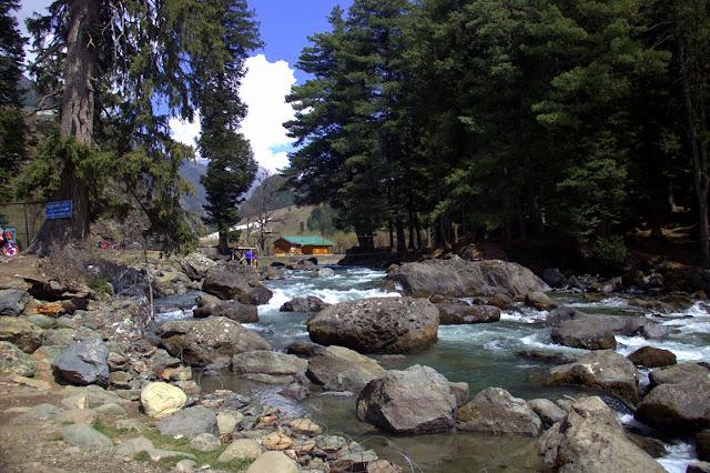 betaab valley river lidder kashmir india