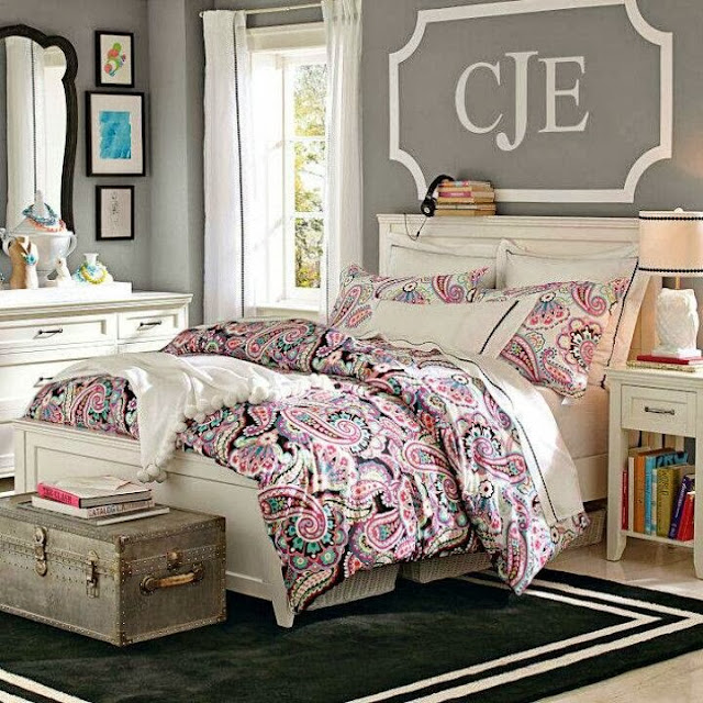 See more ideas about woman bedroom, young woman bedroom, bedroom decor. Bedroom Design Ideas: Decorating Above Your Bed - Driven
