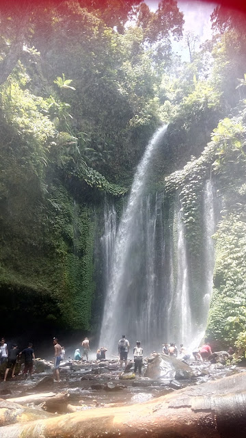 http://dorsettpink.blogspot.com/2017/03/travelog-lombok-indonesia-waterfall.html