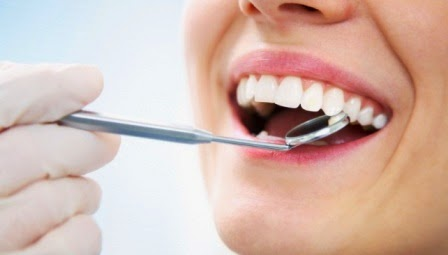 Memeriksakan Gigi