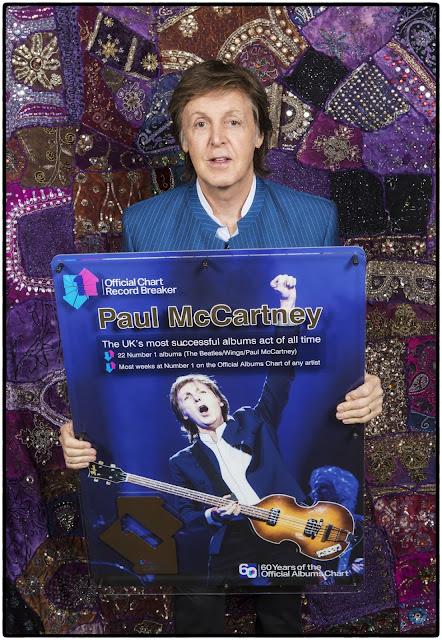 Com 700 milhões de álbuns vendidos, Paul McCartney é eleito o músico mais bem sucedido do Reino Unido