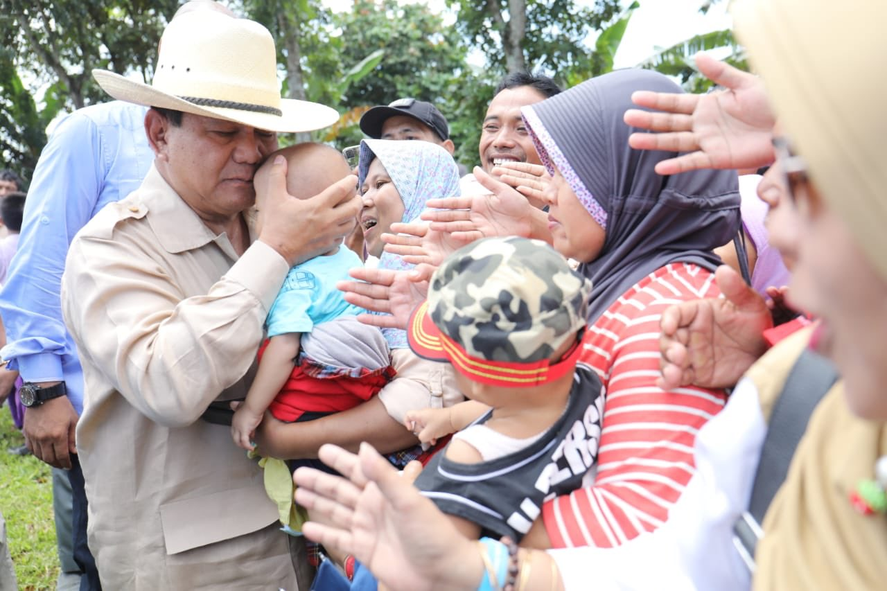 Prabowo Subianto Balas 'Surat Cinta' dari Suci