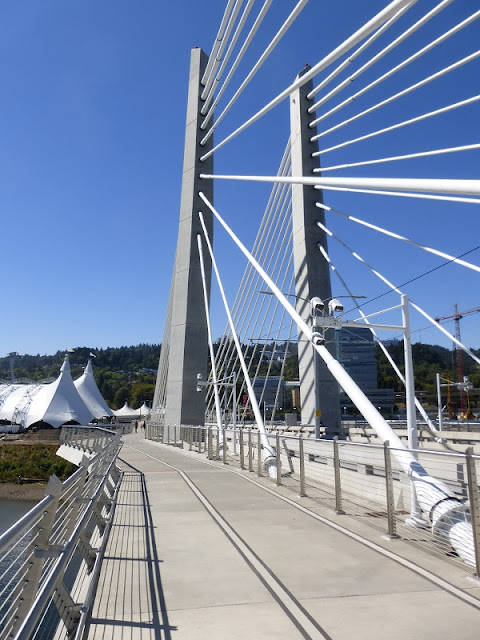 Tilikum Crossing Portland