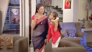 Divyanak Tripathi in Saree in tv show Yeh Hai Mohabbatein