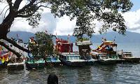Lomba Perahu Hias Danau Ranau Lumbok Seminung Lampung Barat.