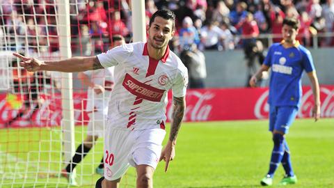 Cầu thủ người Tây Ban Nha Vitolo của đội tuyển Sevilla