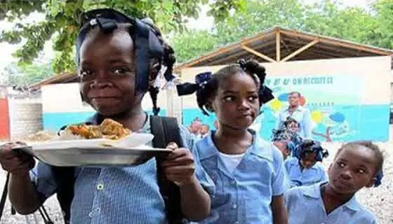 FG flags off school feeding programme in Anambra