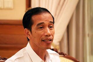 Berita Terhangat Rupiah Nyaris Rp14.000/Usd, Jokowi: Itu Kebijakannya Ada Di Bi