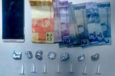 PM prende jovem por suspeita de tráfico de drogas em Laranjeiras
