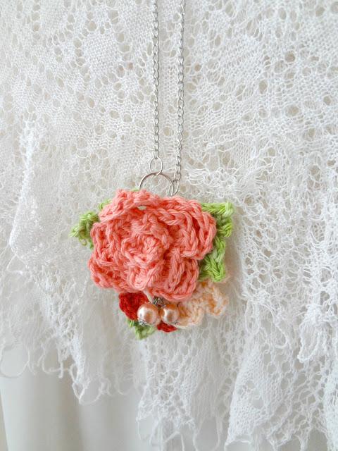 Crochet Rose Pendant- new pattern