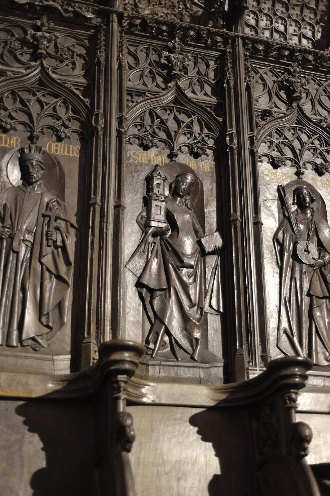 Santa Bárbara de la sillería de la catedral de León